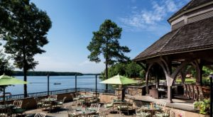 This Gorgeous Waterfront Restaurant In Georgia Will Be Your New Favorite Summer Dining Experience