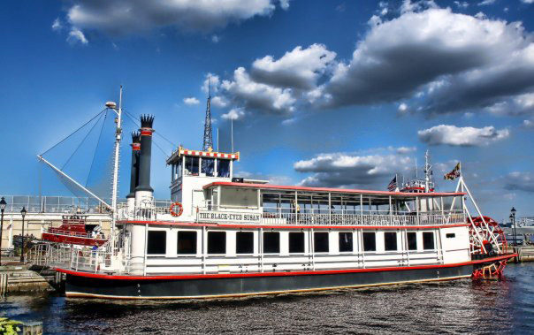 The Black Eyed Susan Is A Paddlewheel Driven Riverboat That Was Built In 1986 For Many Years It Cruised Around Southern States And Eventually Moved To