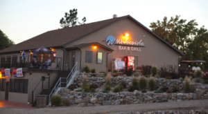 The Lakeside Restaurant In South Dakota You Simply Must Visit This Time Of Year