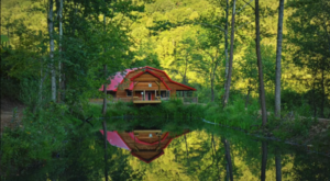 This Dreamy Kentucky Cabin Has Its Own Private Lake And You'll Never Want To Leave