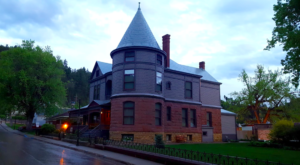 This Haunted South Dakota House Has The Most Heartbreaking Past