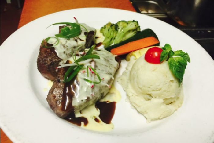 The Menu At The Magic Lamp Inn Is Filled With All The Classic Dishes Youu0027d  Expect From A Steakhouse. Not Only Is The Food Delicious, But Itu0027s Also  Presented ...