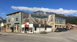 The One Town In Alaska That Doubles In Population Every Summer