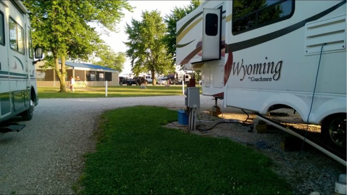 10 Rv Parks In Illinois With Outdoor Pools And Natural