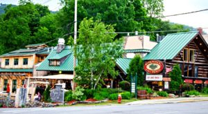 This Small Town New York Pub Has Some Of The Best Food In The Northeast