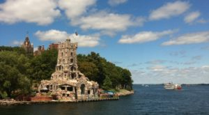 This New York Boat Ride Will Lead You To One Of America's Coolest Castles
