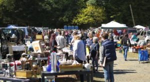You Could Easily Spend All Weekend At This Enormous Connecticut Flea Market