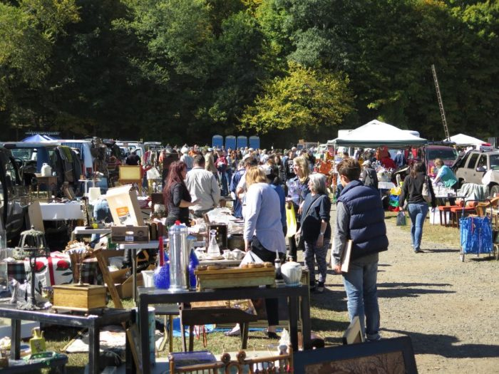 You Could Easily Lose Yourself For An Entire Weekend At The Elephant S Trunk Flea Market In New Ord But It Only Open Seasonally On Sundays