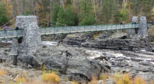 The Beautiful Bridge Hike In Minnesota That Will Completely Mesmerize You