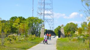 The Scenic Rail Trail In Milwaukee That's Downright Picture Perfect