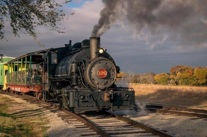 Old Fashioned Cars >> The Old-Fashioned Steam Train Ride At The Oklahoma Railway ...