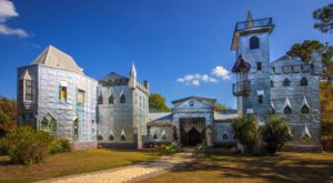 The Enchanting Florida Castle Has An Amazing Restaurant Hiding Inside