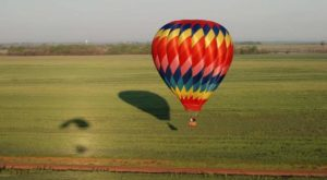 Spend The Day At This Hot Air Balloon Festival In Kansas For A Uniquely Colorful Experience