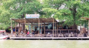 You'll Love The Views And The Burgers At This Lakeside Cafe In Austin