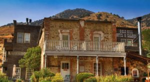 Spend The Night At Nevada's Oldest Hotel For A One-Of-A-Kind Experience