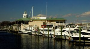 This Tiny Seaport Town May Just Be The Most Charming Spot In Virginia