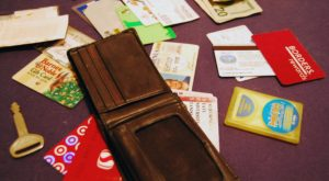 5 Things You Should Do Right Away If You Lose Your Wallet While Traveling