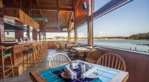 This Ridiculously Scenic Waterfront Restaurant In Georgia Is Seafood Paradise