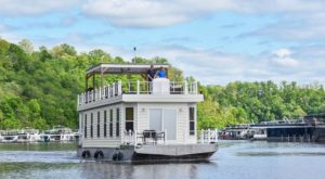 Live Your Best Life On One Of The Most Epic Houseboats In Kentucky