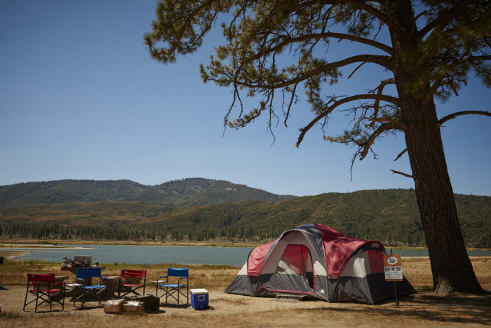 lake hemet waterpark campground in southern california