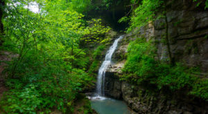 Hike To The 10 Most Beautiful Waterfalls In Arkansas For Some Real Adventure