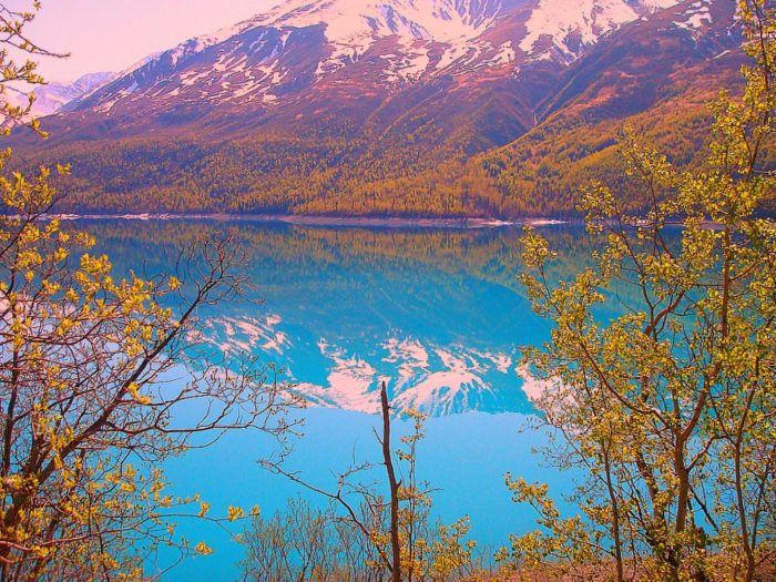 This Hidden Picturesque Lake In Alaska Is Like Something