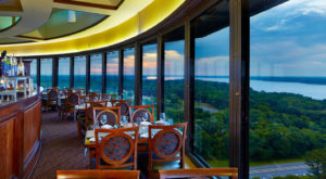 The 360 Degree River View At This Alabama Restaurant Will Completely Enchant You