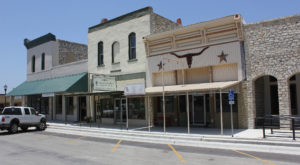 Here Are 12 Of Texas' Tiniest Towns That Are Always Worth A Visit