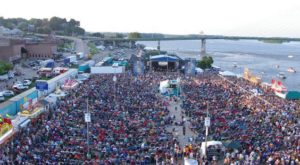 11 Can't Miss Iowa Festivals That Show You The Heart Of The Hawkeye State
