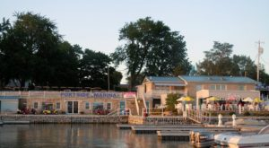 This Ridiculously Scenic Waterfront Restaurant In Ohio Is Seafood Paradise