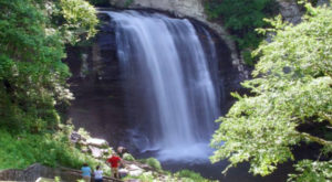 The One County In North Carolina With 250 Waterfalls You'll Want To Visit
