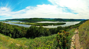 13 Easy And Beautiful Spring Hikes Everyone In Wisconsin Will Love