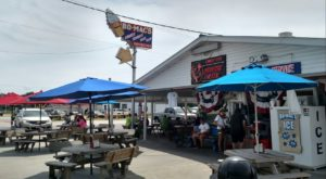 Blink And You'll Miss These 10 Tiny But Mighty Restaurants Hiding In Indiana