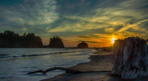 The Hike Along This Secluded Beach In Washington Is Positively Amazing