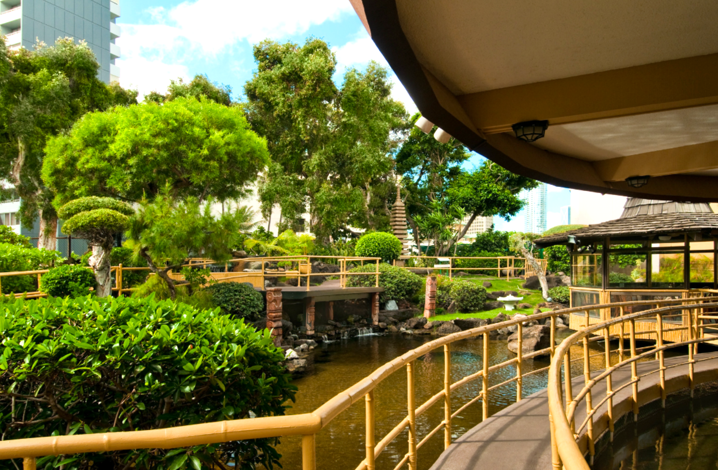Pagoda Floating Restaurant Has Some Of The Most Enchanting