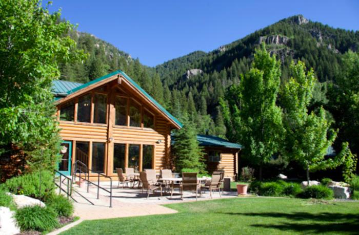 Alaskan Inn Bed And Breakfast