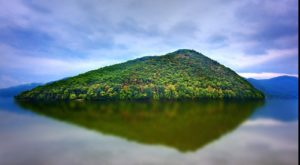 The Striking Blue Lake In West Virginia That Will Make Your Summer Magical