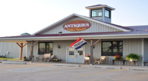 The Quirky Market In Iowa Where You'll Find Terrific Treasures