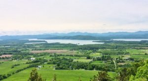10 Easy, Breezy Summer Hikes In Vermont That Will Overwhelm You With Natural Beauty
