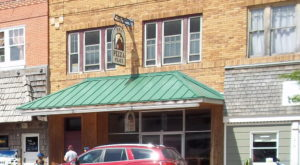The Little Hole-In-The-Wall Restaurant That Serves The Best Pizza In Wyoming