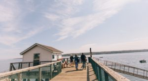 The Scrumptious Island Restaurant In Maine That You Can Only Get To By Boat