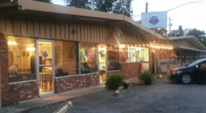 There's A WWII-Themed Restaurant In Alabama… And You'll Want To Visit
