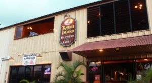This Small Town Hawaii Pub Has Some Of The Best Food In The Pacific