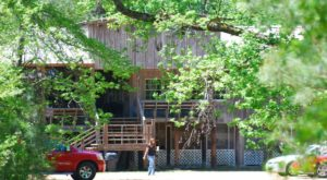 The Remote Cabin Restaurant In Mississippi That Serves Up The Most Delicious Food