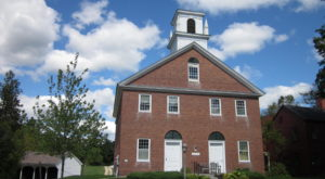 The Historic Small Town That Every New Hampshirite Should Visit At Least Once