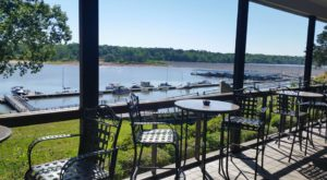 8 Restaurants In Mississippi With The Most Amazing Dockside Dining