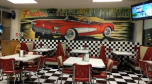 The Spectacular Restaurant In Illinois Where You Can Order A 1-Pound Pizza Slice