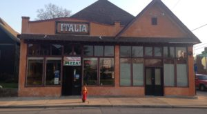 The Mom And Pop Pizzeria In Nashville You'll Want To Add To Your Dining Bucket List