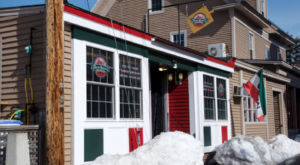 This New Hampshire Pizzeria In The Mountains Is Insanely Good