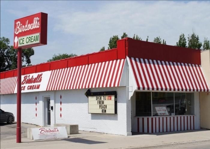 Birdsall S Ice Cream Shop In Mason City Iowa Has The Best